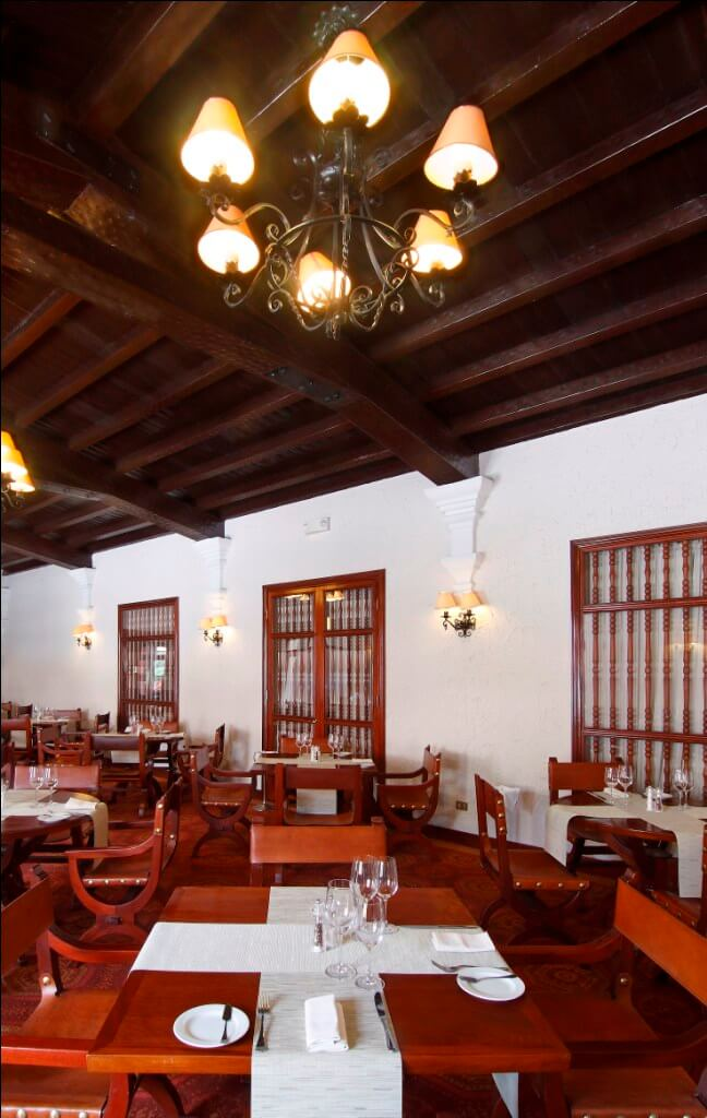 Los Robles Restaurant